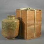 東京都 品川区で古信楽(伊賀)のせいべい壺や大倉陶園の大花瓶などをお譲り頂きました