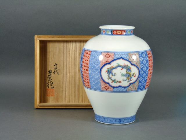 東京都 世田谷区で酒井田柿右衛門の花瓶や井上萬二の茶碗などをお譲り頂きました