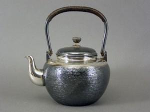 銀瓶(銀製急須)