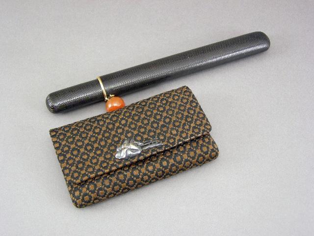 東京都 豊島区で煙管入や銀製の煙草入などを買取らせて頂きました