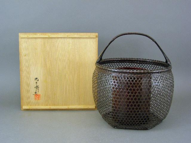 東京都 三鷹市で「上田尚雲斎」の花籠や唐木台付の盆石などをお譲り頂きました