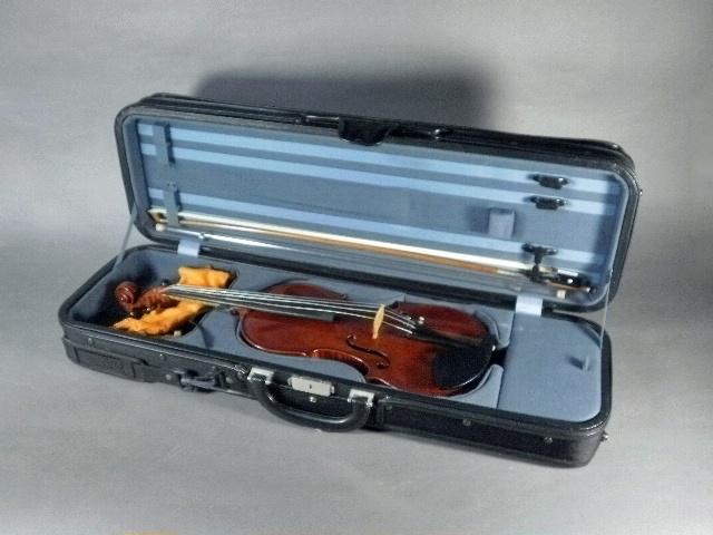 東京都 大田区 田園調布で楽器(バイオリン・フルート)やバカラなどを買取らせて頂きました