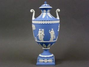 ウエッジウッド ジャスパー 飾壺