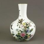 埼玉県 鶴ヶ島市で中国の粉彩花瓶などをお譲り頂きました
