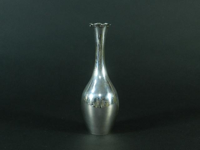 千葉県 習志野市で銀花瓶や象牙の根付・置物、帯留めを買取らせて頂きました