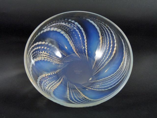 埼玉県 川越市で「ラリック(LALIQUE)」のガラス作品をお譲り頂きました