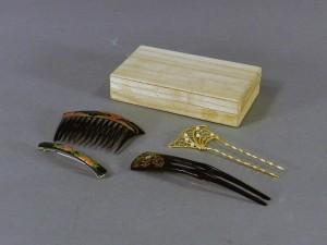 千葉県 我孫子市で鼈甲(ベッコウ)の髪飾りや塚本快示(窯)の作品を買い取らせて頂きました