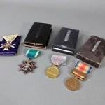埼玉県 上尾市で勲章や堆朱の香合などを買受させていただきました