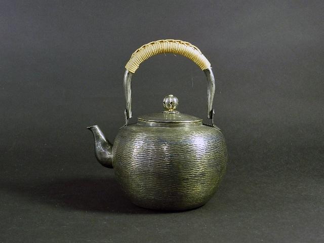 東京都 調布市で銀の湯沸(銀瓶)や鎌倉彫をご売却頂きました