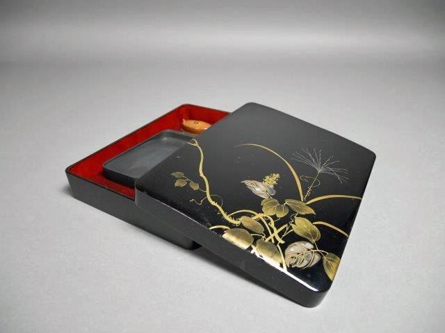 東京都 文京区で蒔絵や螺鈿細工が施された硯箱や印材を買取らさせて頂きました