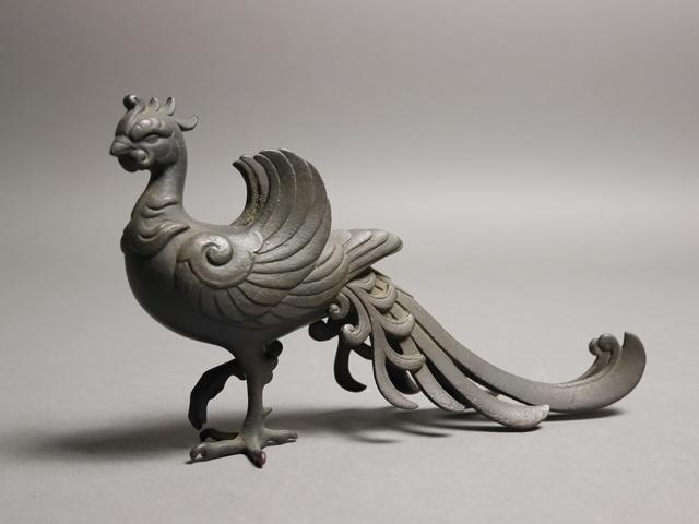 東京都 文京区で彫刻家の銅器の置物や木彫の仏像をお譲り頂きました