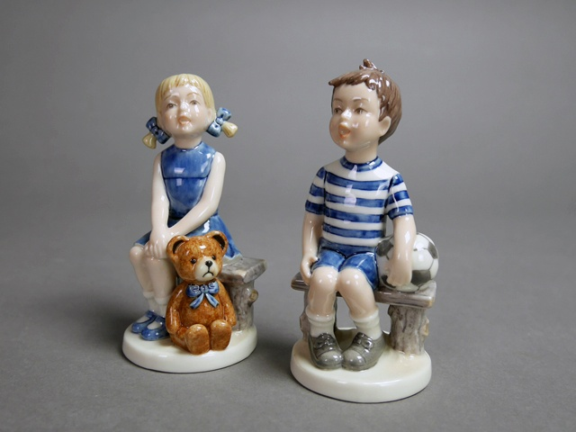 東京都 小金井市で「ロイヤルコペンハーゲン」のフィギュリン(人形)やイヤープレートを買受させて頂きました