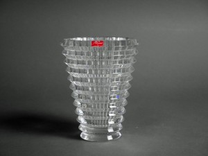 東京都 世田谷区で「バカラ(Baccarat)」のクリスタルベースや「コスタ ボタ(KOSTA BODA)」のガラス花器をご売却いただきました