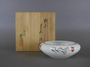 東京都 小金井市で「十三代 酒井田柿右衛門」の陶磁器をご売却頂きました