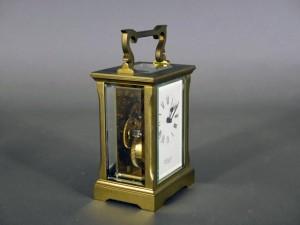 東京都 調布市で海外製の機械式の置時計を買い取らせて頂きました