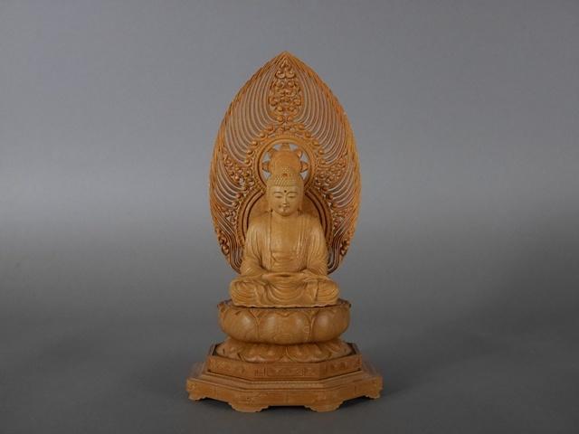 埼玉県 深谷市で木彫の仏像や海外の陶磁器をご売却頂きました